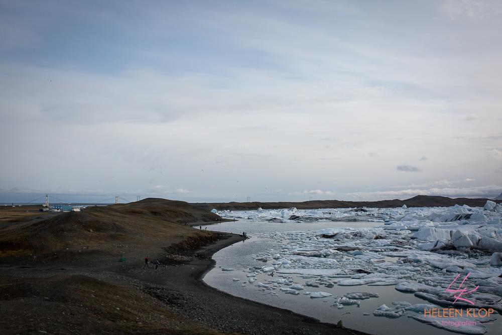 Brug, zee en Glacier Lagoon IJsland