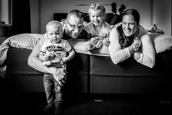 Familiereportage in zwart-wit