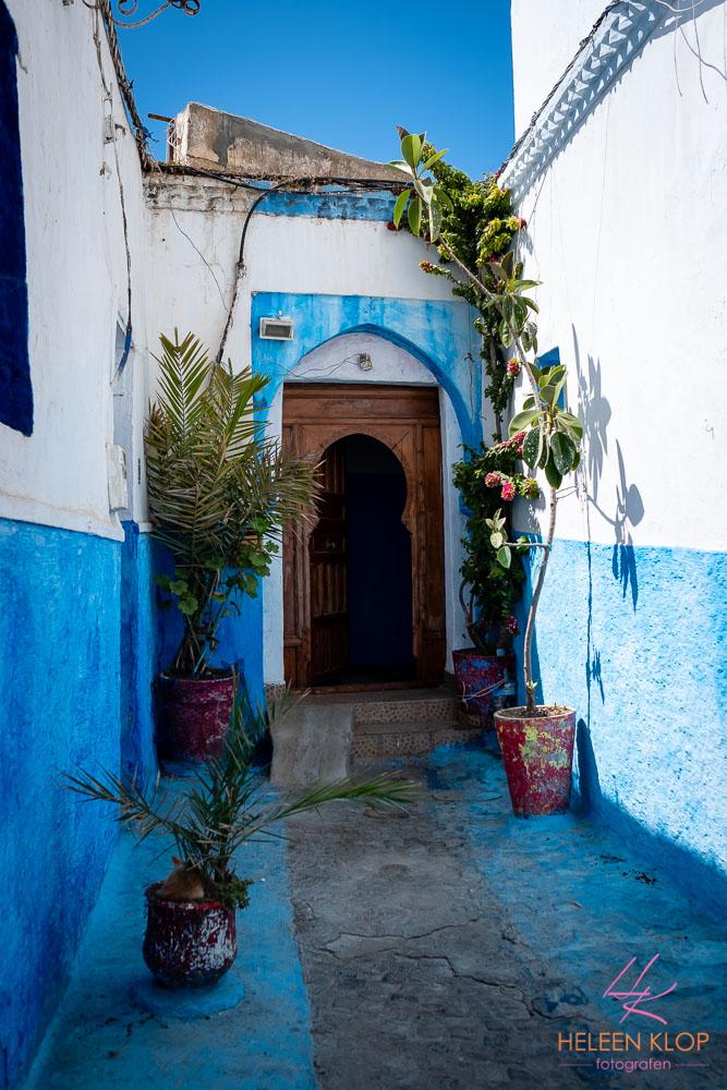 Blauw met witte huizen in de Medina Rabat