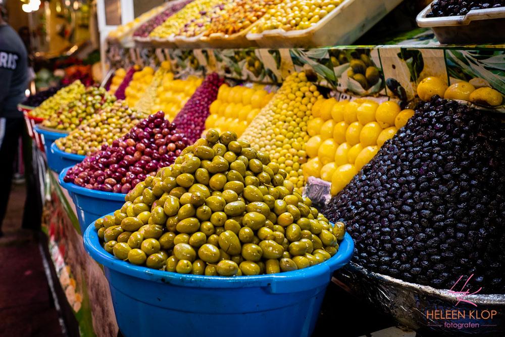 Olijven te koop in Souk Meknes