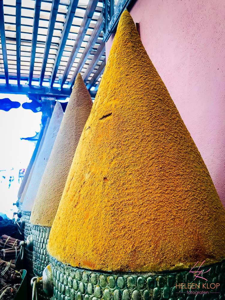 Specerijen in een pyramide