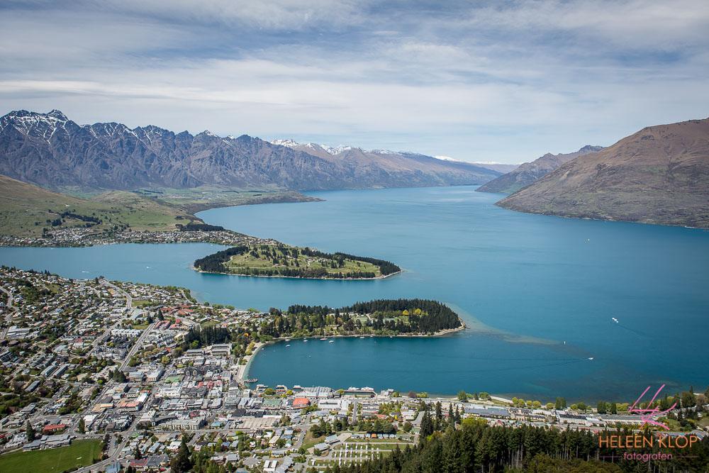 Wat een uitzicht!Lake Wakatipu en Queenstown