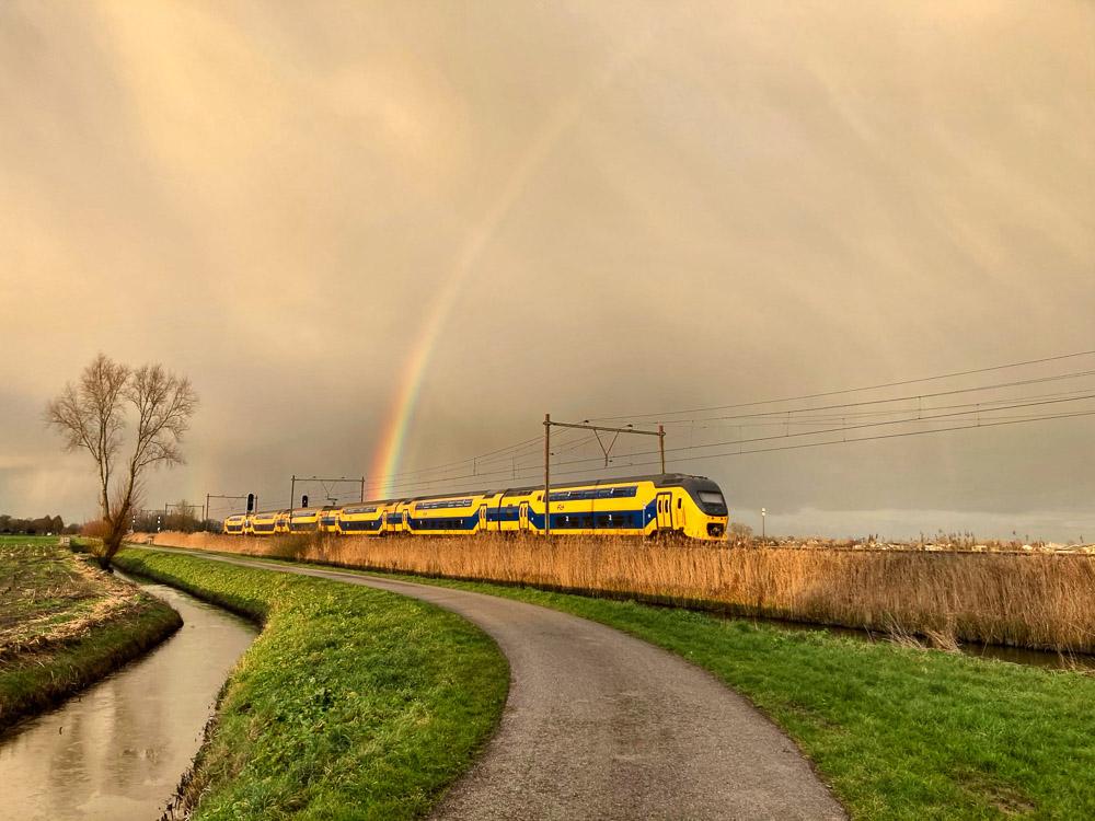 Wandel En Foto Challenge Trein en Regenboog